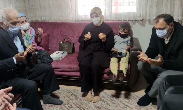 Sakarya'da iki şehit ailesine ziyaret