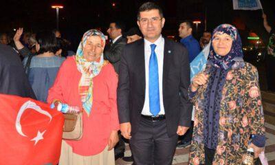 İYİ Parti milletvekili adayları, Yıldırım'ı karış karış geziyor