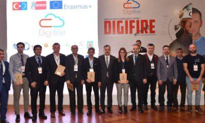 Bursa'da gönüllü itfaiyecilere dijital destek