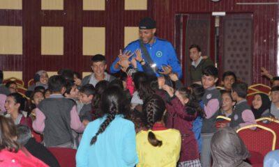 Bursa Büyükşehir Belediyesporlu Efeler, Karacabey'de öğrencilerle buluştu
