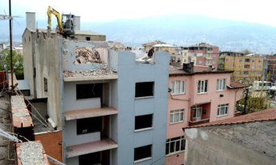 Osmangazi'de riskli binalar yıkılıyor