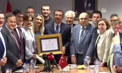İBB Başkanı Ekrem İmamoğlu, mazbatasına ikinci kez kavuştu