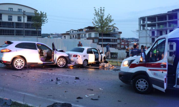 Bursa'da gece kulübü çıkışı feci kaza