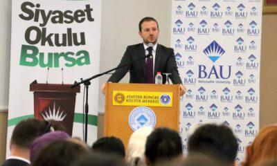 Bursa'da Siyaset Okulu'nun ilk dersi Ahmet Kılıç'tan…