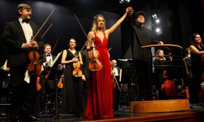 İtalyan sanatçı Tifu, Tekfen Filarmoni Orkestrasıyla Bursa'da sahne aldı