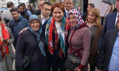 Akşener, Balıkesir'de vatandaşlarla buluştu