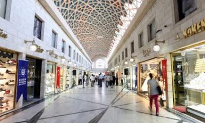 Bursa'da Kapalı Çarşı da kepenklerini indirdi