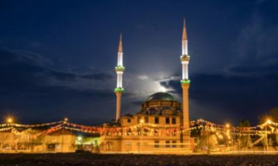 85 bin cami sustu, bir tek Kars Işıklı Cami'den İstiklâl Marşı okundu