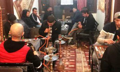 Bursa'da faaliyetine devam eden kafedeki 18 kişiye 56 bin 700 lira ceza
