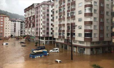 Rize'de şiddetli yağış nedeniyle dereler taştı