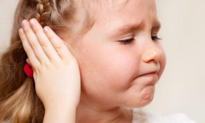 Çocuklarda 'baş eğikliği' problemi 'göz bozukluğu' işareti olabilir