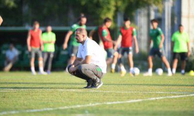 Bursaspor, yeni teknik direktörüyle ilk antrenmanına çıktı