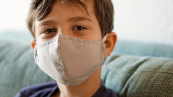 Okullarda yüz yüze eğitim öncesinde çocukları maske takmaya teşvik etmenin yolları