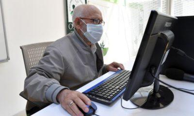 Bursa'da 86 yaşındaki kursiyer, bilgisayar kullanmayı öğrendi