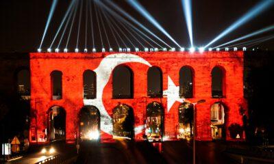 Türkiye'nin ilk Atatürk hologramıyla coşkulu kutlama