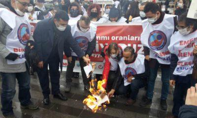 Birleşik Kamu İş üyeleri, Bursa'da 'bordro' yaktı