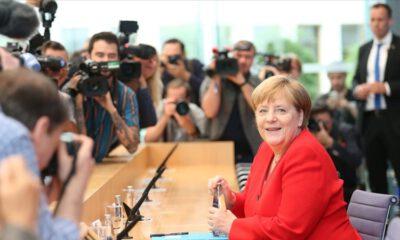 Almanya'da Merkel'in partisi CDU yeni liderini belirleyecek