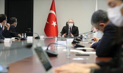 Bakan Varank: Türkiye'ye yatırım yapan kazanır