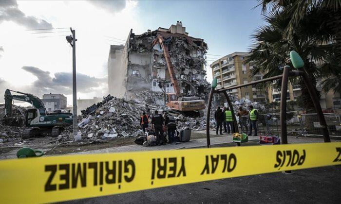 İzmir'deki depremle ilgili 22 kişiye gözaltı kararı