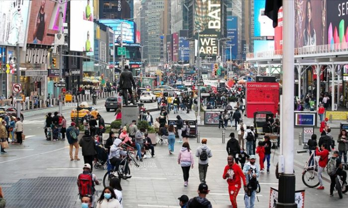 ABD'de can kaybı 597 bin 984'e ulaştı