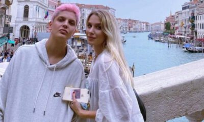 Ebrar Karakurt'tan İtalya'da aşk pozu!
