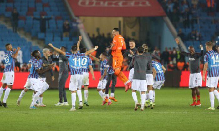 Liderlik derbisinin galibi Trabzonspor: 3-1