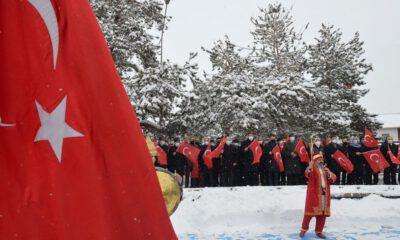 Erzurum'da karlı kurtuluş coşkusu
