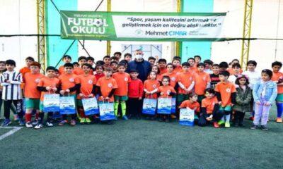 Yeşilyurt Belediyesi Futbol Okulu genç yıldızlar yetiştiriyor