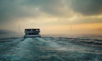 İstanbul Boğazı'nda geçişlere sis engeli!
