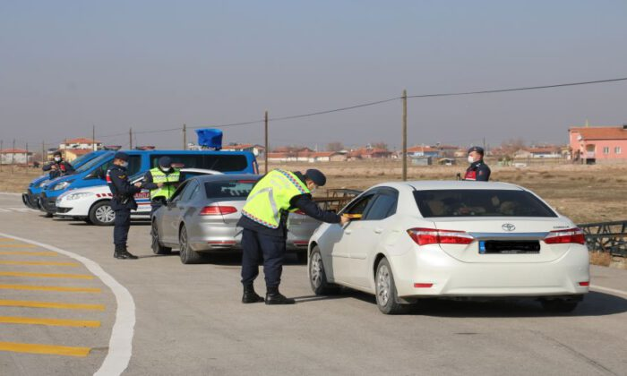 Aksaray'da Jandarma'dan 'kemer' denetimi