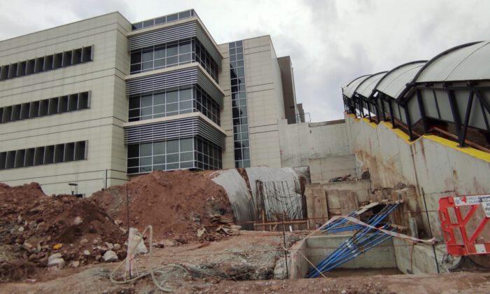 KOÜ hastanesine yürüyen merdiven ve asansör