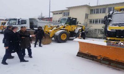 Yozgat Valisi Polat'ta karla mücadele ekibine ziyaret