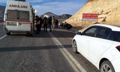 Siirt'te lastiği patlayan otomobil takla attı: 5 yaralı