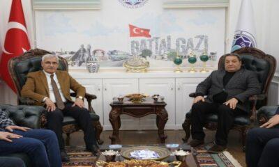 MHP Malatya Milletvekili'nde Battalgazi Belediyesi'ne ziyaret