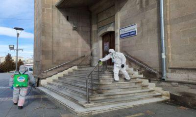 Kayseri Melikgazi'de her gün 50 personel, ilçeyi dezenfekte ediyor