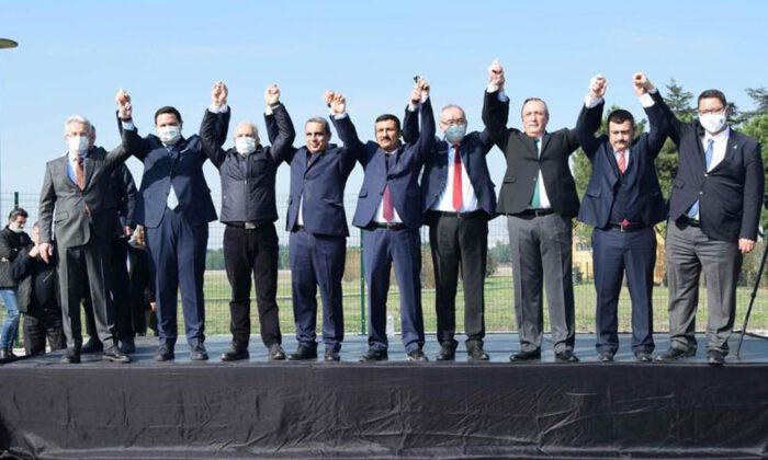 Bursa'da 6 parti 'Yunuseli Havalanı'na tek ses oldu