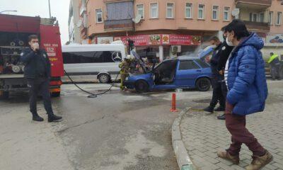 Bursa Gemlik'te seyir halindeki araç yandı