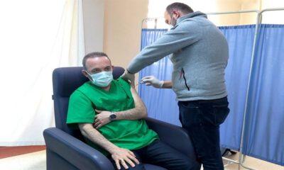 Ardahan Valisi'ne COVID-19 aşısı yapıldı